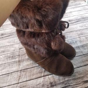 Minnetonka Brown Rabbit Fur Boots